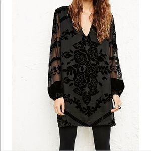 Staring at Stars Chiffon Velvet Dress Black Size M
